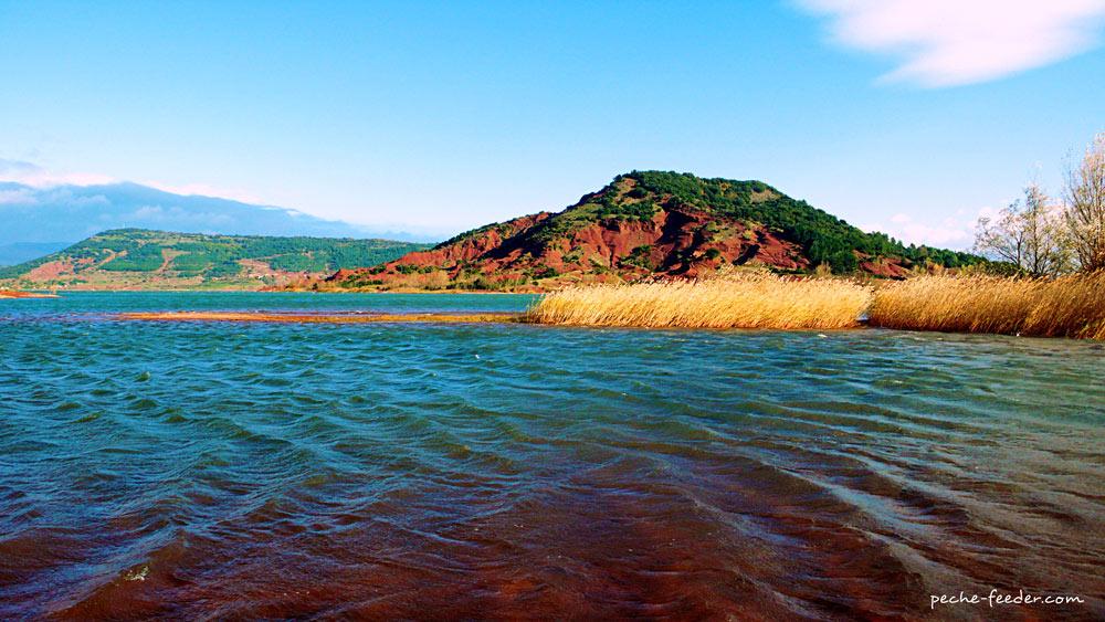 Lac du Salagou : campez dans ses environs