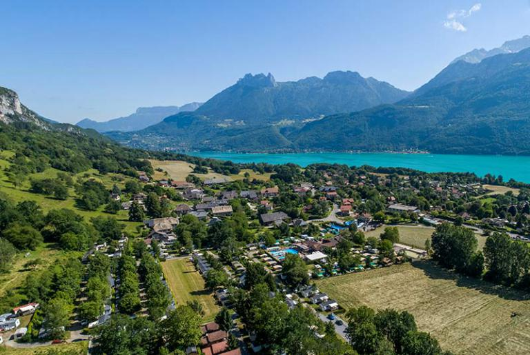 Vacances en camping : où les passer à Annecy ?